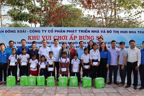 Tháng thanh niên: Khánh thành sân chơi trẻ em vùng đồng bào dân tộc thiểu số